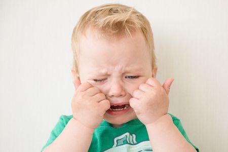 أسباب بكاء الطفل