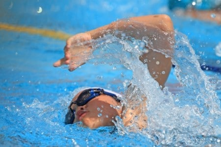 رياضة السباحة ، طفل ، صورة ، الرياضة