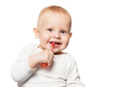 الأسنان اللبنية عند الأطفال