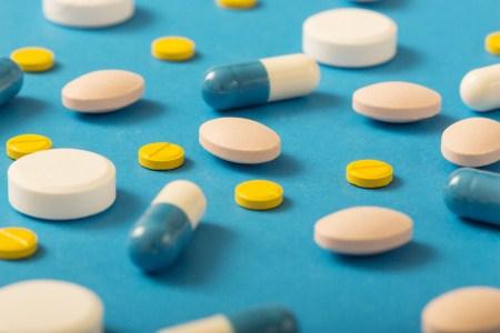 المضادات الحيوية ، الأطفال ، البكتيريا ، الفيروسات ، الطفل الخديج