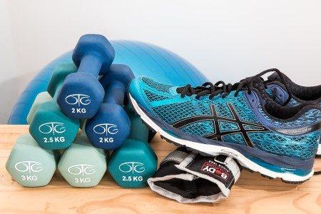الرياضيين ، التمارين الرياضية ، كرة القدم ، غذاء صحي ، أسماك السردين ، الخبز ، النشويات