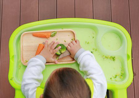 صورة , طفل , يأكل , غذاء , العادات الغذائية