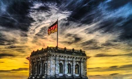 بادن بادن ، ألمانيا ، ليتشينتالر ألي ، جبل ميركيور ، متحف فريدير بيردا ، المنتجعات الصحية ، لعبة الهروب