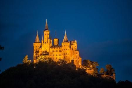 بادن ، فرنسا ، سويسرا ، الينابيع الحارة ، متحف الأطفال ، متحف لانغمات ، البرج الذهبي