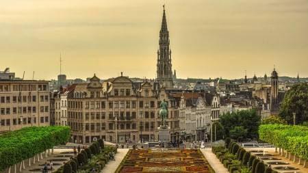 رنز ، بلجيكا ، كنيسة مار هيرمس ، متحف النسيج ، منزل الفن الحديث ، المهرجانات ، المعالم السياحية
