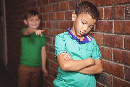 صورة , أطفال , التنمر في المدرسة