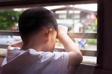 صورة , طفل , الإكتئاب , الحزن الكآبة