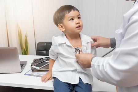 صورة , طفل , طبيب , الشلل الدماغي , العلاج الطبيعي