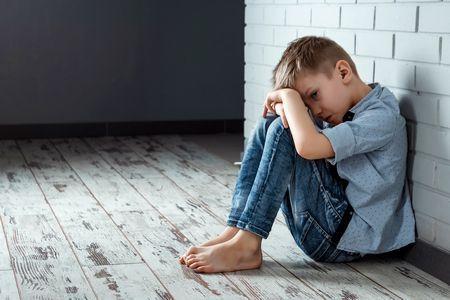 صورة , طفل حزين , الاكتئاب