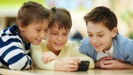 صحة الأطفال ، الأجهزة الالكترونية ، الأمراض النفسية للأطفال ، عزلة الطفل