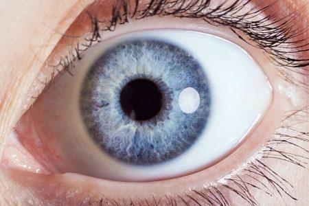 صورة , قرنية العين , العدسات الطبية , العدسات اللاصقة
