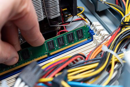 الفرق بين الرامات , رامات DDR3 , رامات DDR4