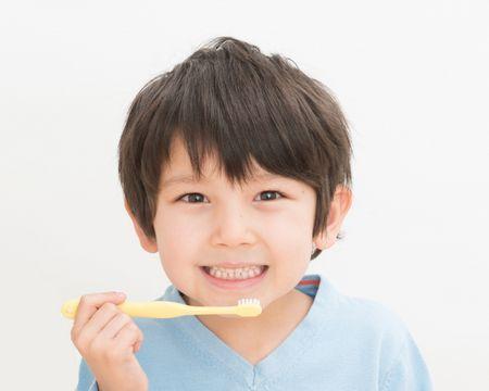 Dental teeth , الأسنان اللبنية , طفل