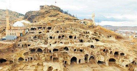 مدينة ديرينكويو ، تركيا ، الصين مدبنة الأقزام ، ليليبوت ، المكسيك ، عجائب السياحة ، جزيرة العرائس