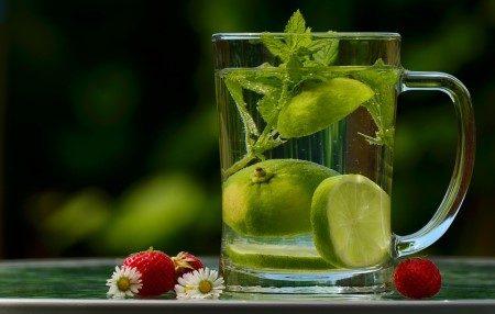 الديتوكس ، خسارة الوزن ، الزنجبيل ، الفواكهة ، العادات الصحية ، القولون العصبي ، الحميات الغذائية