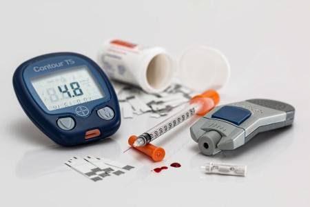 مرض السكري ، البنكرياس ، شبكية العين ، التقرحات ، نقص الوزن ، الولادة المبكرة