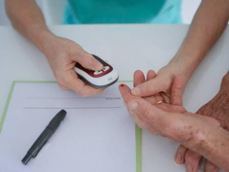 مرض السكري ، شبكية العين ، الأنسولين ، التمارين الرياضية ، حرق الدهون ، الأنظمة الغذائية