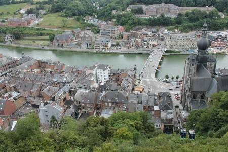 دينانت ، قلعة فريور ، بلجيكا ، قلعة دينانيت ، نزهة النهر ، المعالم السياحية