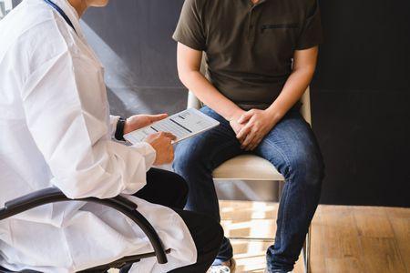 صورة , طبيب , مريض , استشارة طبية , ضعف الخصوبة