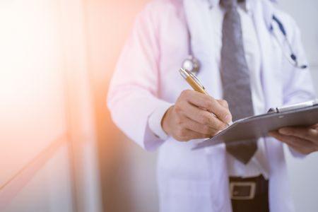 صورة , طبيب , مرحلة إنقطاع الطمث