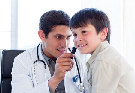 صورة , طفل , طبيب , إلتهاب الأذن