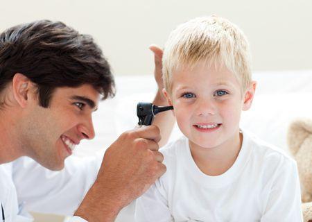 صورة , طفل , طبيب , اضطرابات السمع , الأذن