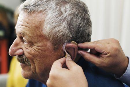 صورة , رجل , كبار السن , ضعف السمع , سماعة أذن