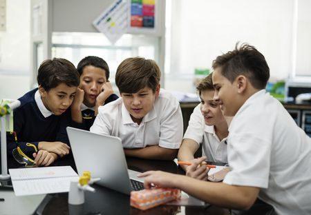 صورة , طلاب , التكنولوجيا , التعليم , اللغة العربية