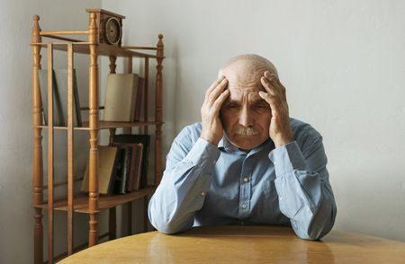 إساءة معاملة المسنين