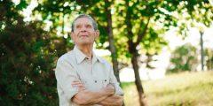 آلام وأوجاع مرتبطة بالتقدم في السن .. وعلاجها