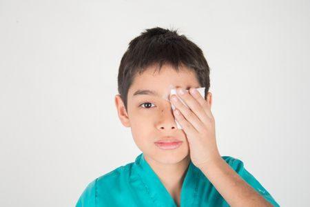 صورة , طفل , عين , أمراض العيون , ضعف النظر