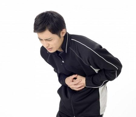 الارتجاع المعدي المريئي،صورة،رجل،البطن
