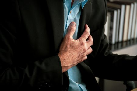 صورة , رجل مريض , أمراض القلب
