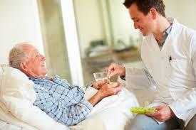 الرعاية المنزلية ، كبار السن ، العلاج في المنزل