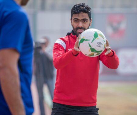 حسين الشحات في تدريبات الأهلي