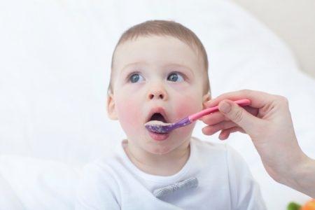 صورة , طفل , تغذية الطفل الرضيع