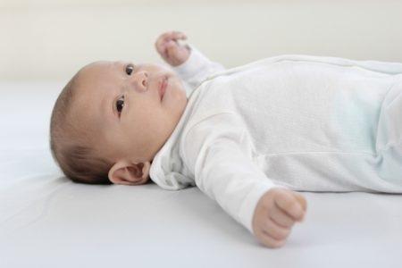 صورة , طفل , التبول الليلي اللاإرادي , علاج التبول اللإرادي