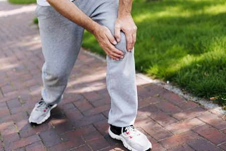 صورة , رجل , ألم الركبة , خشونة الركبة