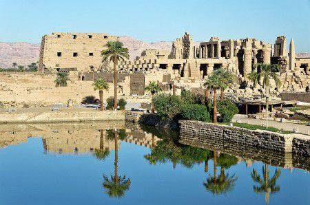 الأقصر ، المعالم السياحية ، معبد الكرنك ، وادي الملوك ، معبد الرامسيوم ، معبد الأقصر ، مدينة هابو ، معبد حتشبسوت ، توت عنخ آمون