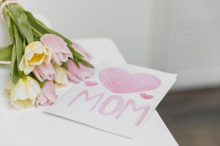 موضوع تعبير , عيد الأم , MOM , صورة