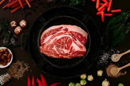 اللحوم الحمراء ، اللحوم المصنعة ، سرطان القولون ، السكري ، الدهون ، الكوليسترول