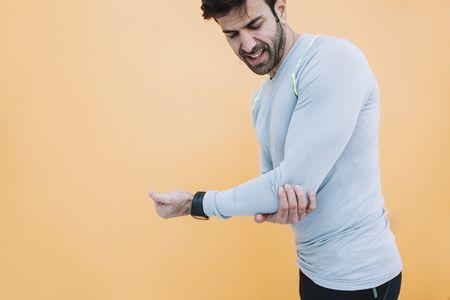 صورة , رجل , الكوع , الألم العضلي الليفي