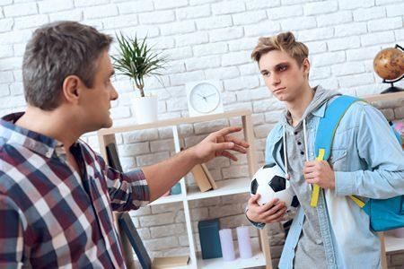 تعامل الأهل مع المراهقين