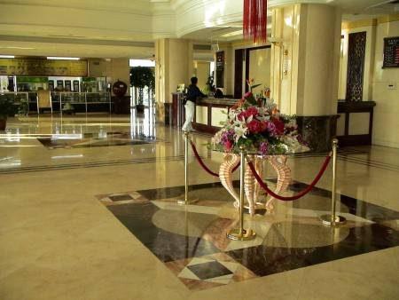 فندق الإقامة ، موقع الفندق ، الخدمات المجانية ، موقف السيارات ، الرحلات العائلية
