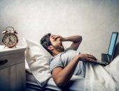صورة , رجل , اضطرابات النوم , لاب توب