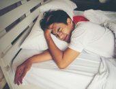 صورة , رجل نائم , الأرق , اضطرابات النوم
