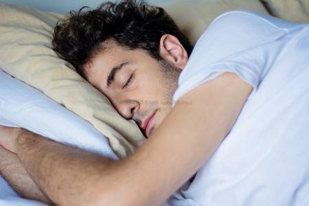 صورة , رجل نائم , النوم , ساعات النوم
