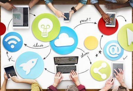 صورة , أشخاص , العمل , مواقع التواصل الاجتماعي , الإنترنت