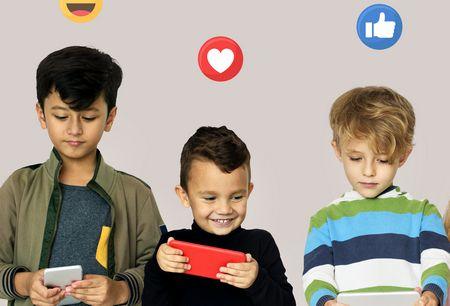 صورة , أطفال , مواقع التواصل الاجتماعي , موبايل