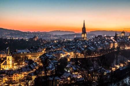 مورس ، سويسرا ، قلعة المدينة ، ريف مورس ، متحف باديروسكي ، مهرجان التيوليب